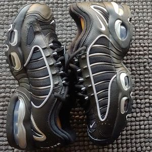 New women's Nike Air Max Tailwind